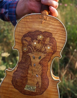 Fiddle built by Audrey Hash Ham